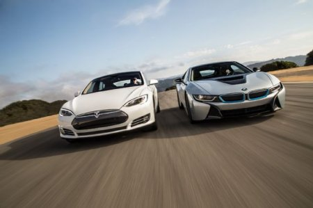 Кто быстрее: Tesla Model S P85D vs BMW i8